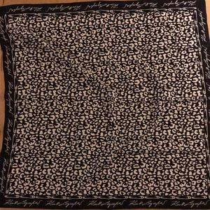 New With Tags Karl Lagerfeld Paris Polyester Scarf